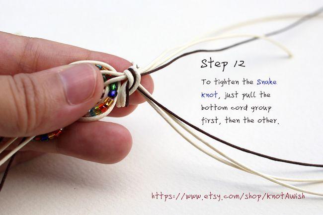 Bracelet tutorial for the new year: Feliz! | chineseknotting